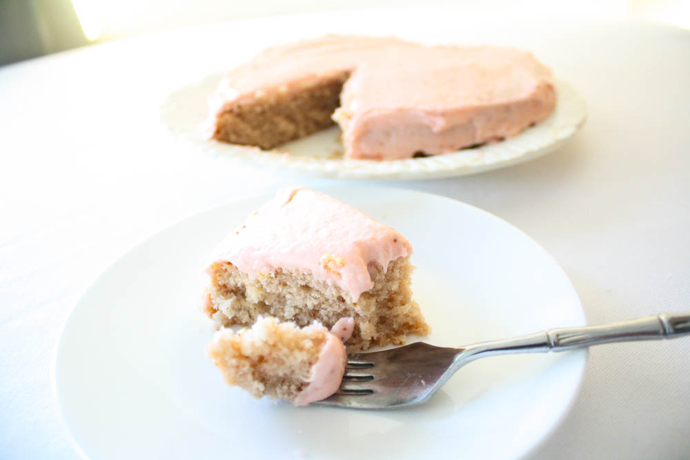 Vegan Strawberry Cake with Strawberry icing